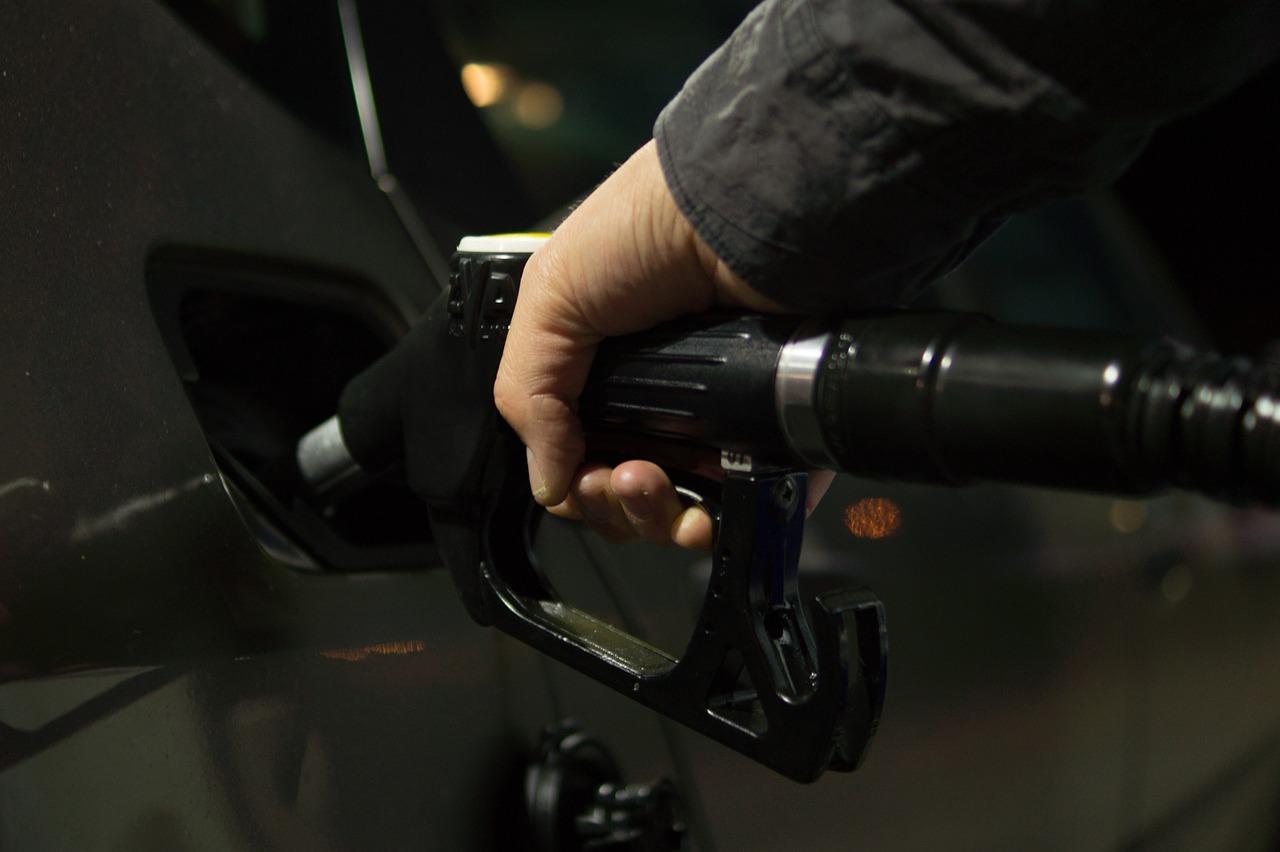 Jak płacić mniej za paliwo – sześć trików dla każdego kierującego